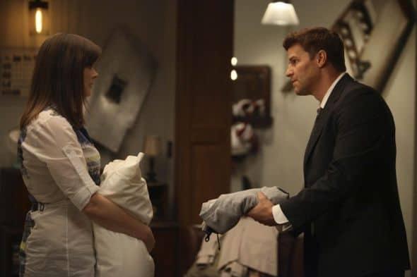 Bones_Season_6_Episode_22_The_Hole_In_The_Heart-210