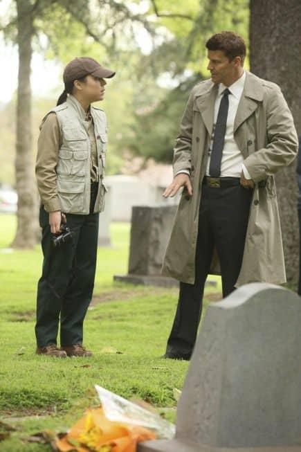 Bones_Season_6_Episode_22_The_Hole_In_The_Heart_5-209