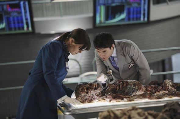 Bones_Season_6_Episode_22_The_Hole_In_The_Heart_1-205