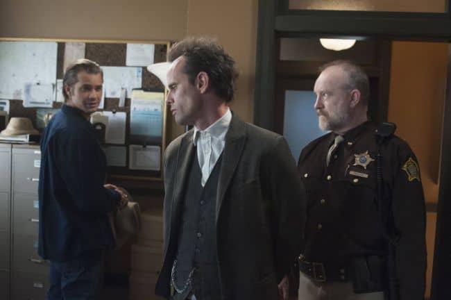 Timothy Olyphant as Deputy U.S. Marshal Raylan Givens,  Walton Goggins as Boyd Crowder, Jim Beaver as Shelby Parlow Justified