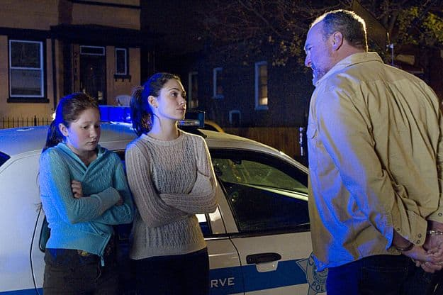 Emmy Rossum as Fiona Gallagher, Emma Kenney as Debbie Gallagher and Brent Sexton as Cousin Patrick in Shameless (Season 3, episode 8)