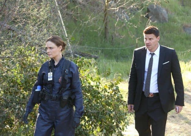bones-season-8-episode-24-the-secret-in-the-siege-3