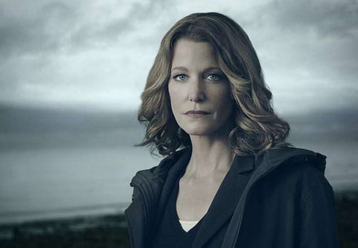 GRACEPOINT Anna Gunn as Detective Ellie Miller