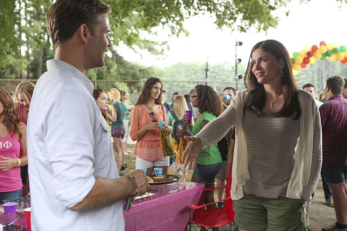 Matt Davis as Alaric and Jodi Lyn O'Keefe as Jo