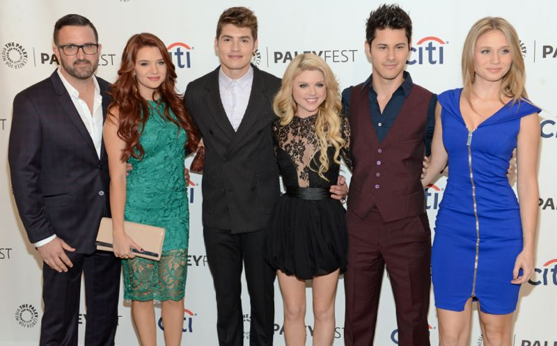 Faking It MTV Cast PaleyFest Executive producer Carter Covington, Katie Stevens, Gregg Sulkin, Bailey De Young, Michael J. Willett and Rita Volk