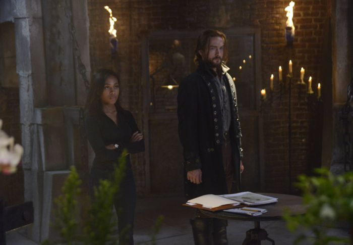 SLEEPY HOLLOW: Ichabod Crane (Tom Mison, L) and Abbie (Nicole Beharie, R)