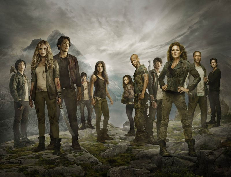 THE 100 Season 2 Cast Photo
