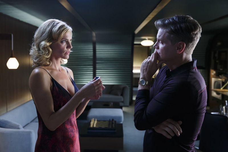 Tricia Helfer as Viondra Denninger, Brian Van Holt as Captain William Denninger Ascension - Season 1
