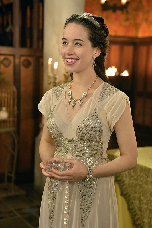 Reign Season 2 Episode 5 Blood For Blood Anna Popplewell as Lola