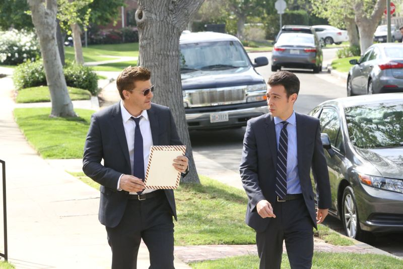 """BONES:   Booth (David Boreanaz, L) and Aubrey (John Boyd, R) in the """"The Woman in the Whirlpool"""" episode of BONES airing Thursday, May 28 (8:00-9:00 PM ET/PT) on FOX.  ©2015 Fox Broadcasting Co.  Cr:  Patrick McElhenney/FOX"""