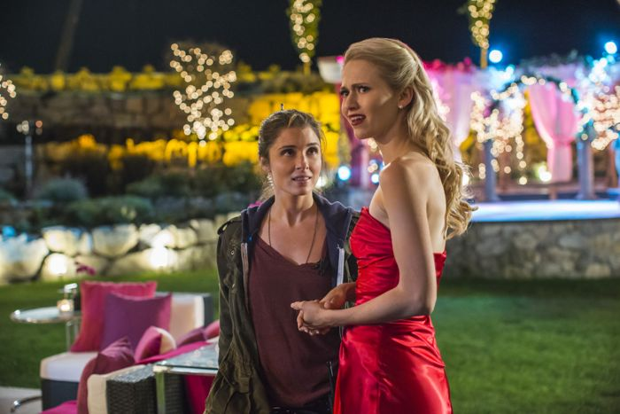 """(L to R) Shiri Appleby (""""Rachel"""") and Johanna Braddy (""""Anna"""") star in Lifetime's all-new drama UnREAL airing, Monday, June 8 at 10pm ET/PT on Lifetime."""