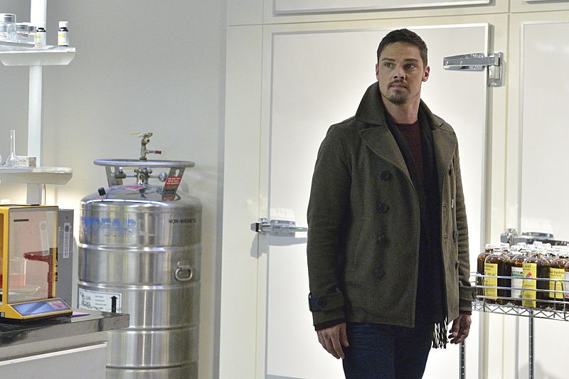 "Beauty and the Beast -- ""Unbreakable"" -- Image Number: BB311a_0041.jpg -- Pictured: Jay Ryan as Vincent -- Photo: Ben Mark Holzberg/The CW -- © 2015 The CW Network, LLC. All rights reserved."