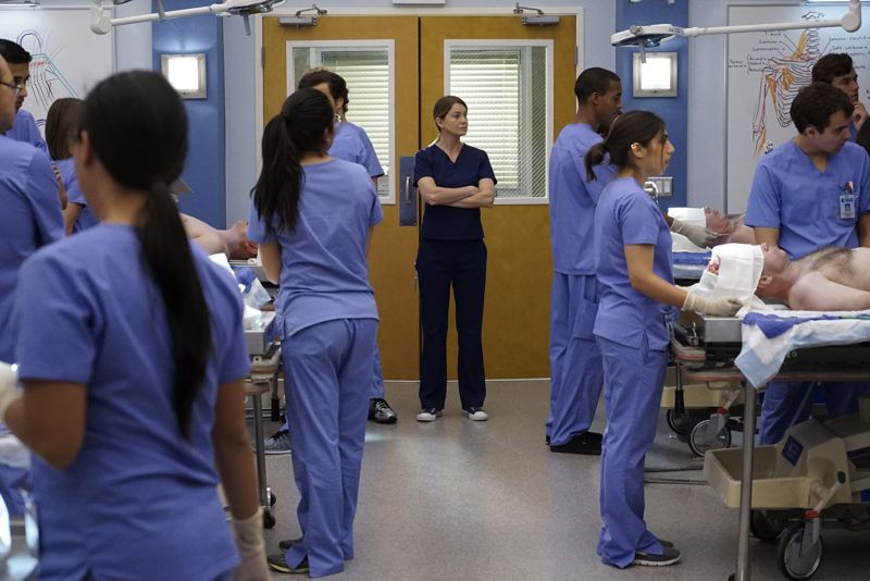 """GREY'S ANATOMY - """"Walking Tall"""" -- The pressure is on as a determined Bailey tackles her first day as Chief; meanwhile, April's marriage is in jeopardy and she finds herself unable to address her problems; Meredith struggles to juggle all her responsibilities and Amelia works to define her relationship with Owen, on """"Grey's Anatomy,"""" THURSDAY, OCTOBER 1 (8:00--9:00 p.m., ET) on the ABC Television Network. (Photo by Richard Cartwright/ABC via Getty Images) ELLEN POMPEO"""