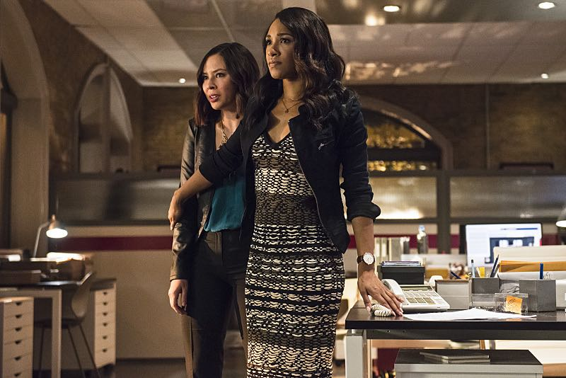 "The Flash -- ""The Darkness and the Light"" -- Image FLA205B_0140b.jpg -- Pictured (L-R): Malese Jow as Linda Park and Candice Patton as Iris West -- Photo: Cate Cameron/The CW -- © 2015 The CW Network, LLC. All rights reserved."