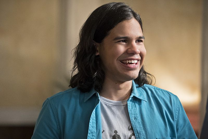 "The Flash -- ""The Darkness and the Light"" -- Image FLA205A_0087b.jpg -- Pictured: Carlos Valdes as Cisco Ramon -- Photo: Katie Yu/The CW -- © 2015 The CW Network, LLC. All rights reserved."