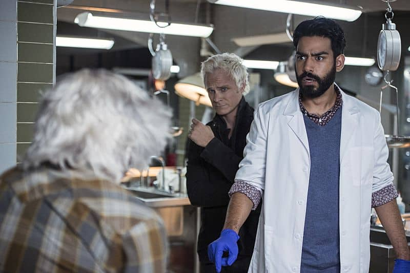 """iZombie -- """"Love & Basketball"""" -- Image Number: ZMB205a_0105.jpg -- Pictured (L-R): David Anders as Blaine and Rahul Kohli as Ravi -- Photo: Cate Cameron/The CW -- © 2015 The CW Network, LLC. All rights reserved"""