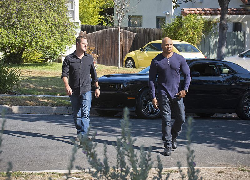 """""""Unspoken"""" -- Pictured: Chris O'Donnell (Special Agent G. Callen) and LL COOL J (Special Agent Sam Hanna). The team searches for Sam's former partner, Ruiz (Anthony Ruivivar), who disappears while buying a deadly explosive during an undercover operation, on NCIS: LOS ANGELES, Monday, Nov. 2 (10:00-11:00, ET/PT), on the CBS Television Network. Photo: Neil Jacobs/CBS ©2015 CBS Broadcasting, Inc. All Rights Reserved."""