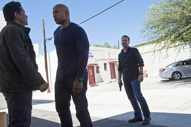 """""""Unspoken"""" -- Pictured: LL COOL J (Special Agent Sam Hanna) and Chris O'Donnell (Special Agent G. Callen). The team searches for Sam's former partner, Ruiz (Anthony Ruivivar), who disappears while buying a deadly explosive during an undercover operation, on NCIS: LOS ANGELES, Monday, Nov. 2 (10:00-11:00, ET/PT), on the CBS Television Network. Photo: Neil Jacobs/CBS ©2015 CBS Broadcasting, Inc. All Rights Reserved."""