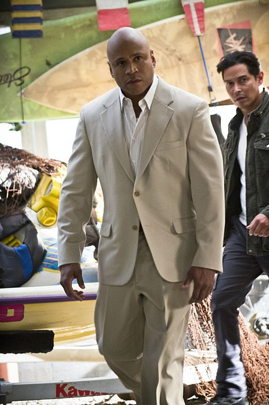 """""""Unspoken"""" -- Pictured: LL COOL J (Special Agent Sam Hanna). The team searches for Sam's former partner, Ruiz (Anthony Ruivivar), who disappears while buying a deadly explosive during an undercover operation, on NCIS: LOS ANGELES, Monday, Nov. 2 (10:00-11:00, ET/PT), on the CBS Television Network. Photo: Neil Jacobs/CBS ©2015 CBS Broadcasting, Inc. All Rights Reserved."""