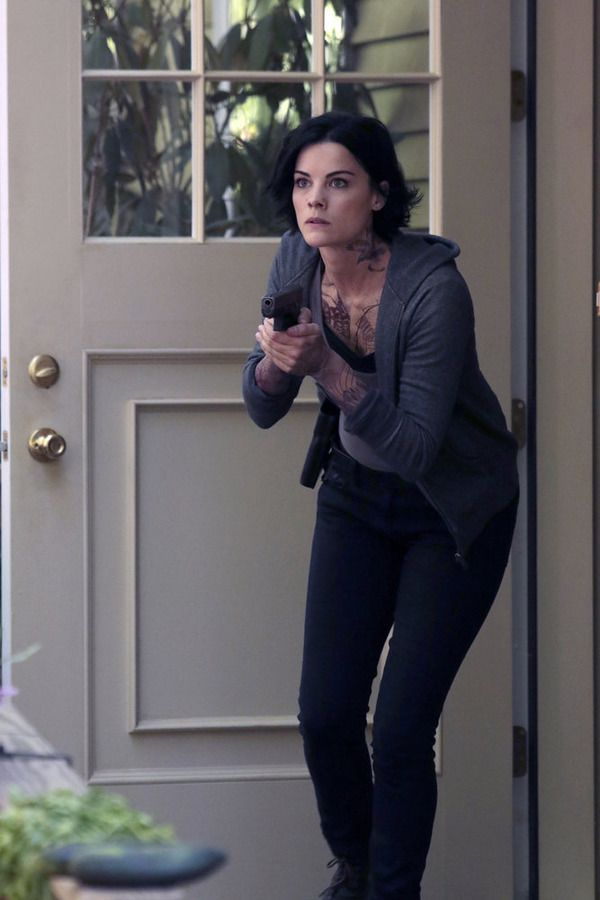 """BLINDSPOT -- """"Sent on Tour"""" Episode 107 -- Pictured: Jaimie Alexander as Jane Doe -- (Photo by: Giovanni Rufino/NBC)"""