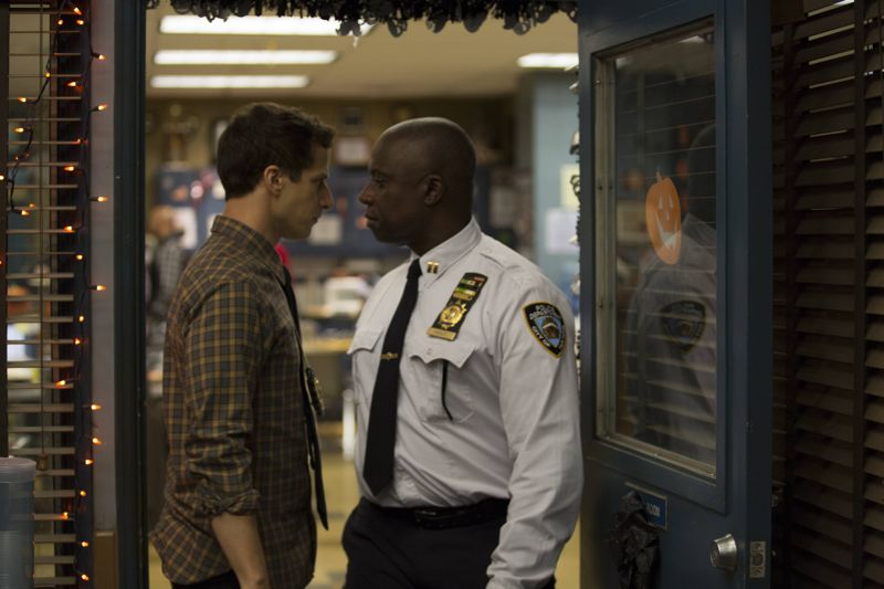 """BROOKLYN NINE-NINE: L-R: Andre Braugher and Andy Samberg in the """"Halloween 3"""" episode of BROOKLYN NINE-NINE airing Sunday, Oct. 25 (8:30-9:00 PM ET/PT) on FOX. ©2015 Fox Broadcasting Co. Cr: FOX"""