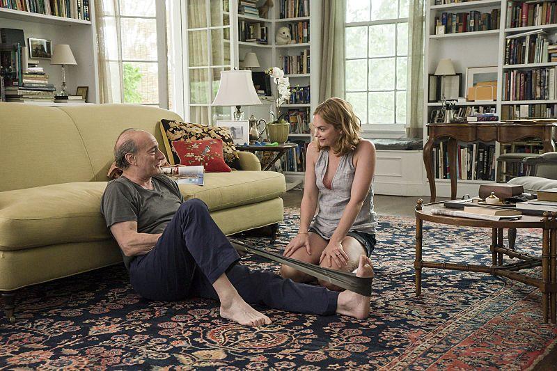 Peter Friedman as Robert and Ruth WIlson as Alison in The Affair (season 2, episode 5). - Photo: Mark Schafer/SHOWTIME - Photo ID: TheAffair_205_5940