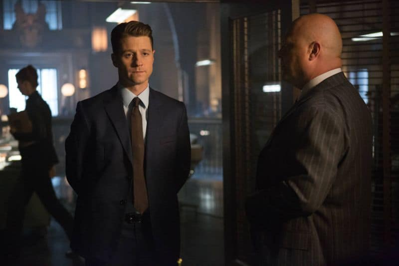 """GOTHAM: L-R: Benjamin McKenzie and Michael Chiklis in the """"Rise of the Villains: By Fire"""" episode of GOTHAM airing Monday, Oct. 26 (8:00-9:00 PM ET/PT) on FOX. ©2015 Fox Broadcasting Co. Cr: Jessica Miglio/ FOX."""