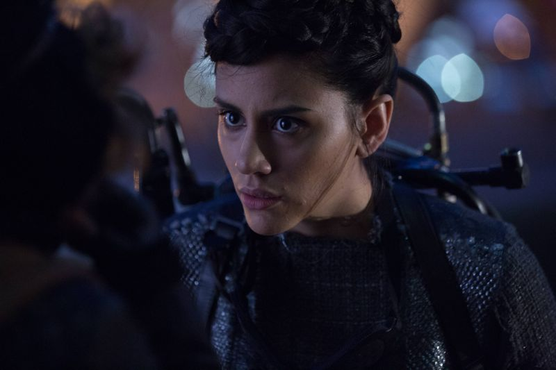 """GOTHAM: L-R: Guest stat Bridget Pike (Firefly) in the """"Rise of the Villains: By Fire"""" episode of GOTHAM airing Monday, Oct. 26 (8:00-9:00 PM ET/PT) on FOX. ©2015 Fox Broadcasting Co. Cr: Jessica Miglio/ FOX."""