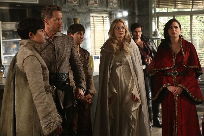 """ONCE UPON A TIME - """"Dreamcatcher"""" - In Camelot, as Mary Margaret and David attempt to retrieve the Dark One dagger, Emma uses a dreamcatcher to look into the past to see how Merlin was transformed into a tree. Together, Emma and Regina figure out the critical ingredient they must acquire to free Merlin, but it's a race against Arthur, who does not want Merlin released. Meanwhile, with encouragement from his moms, Henry musters up the courage to ask Violet on a date. Back in Storybrooke, the heroes break into Emma's house hoping to locate Gold, but what they find will give them a glimpse of Emma's end game. Far from prying eyes, Merida sets about the mission Emma has tasked her with and begins molding Gold into the hero they need to draw Excalibur, on """"Once Upon a Time,"""" SUNDAY, OCTOBER 25 (8:00-9:00 p.m., ET) on the ABC Television Network. (ABC/Jack Rowand) GINNIFER GOODWIN, JOSH DALLAS, JARED GILMORE, JENNIFER MORRISON, COLIN O'DONOGHUE, LANA PARRILLA"""