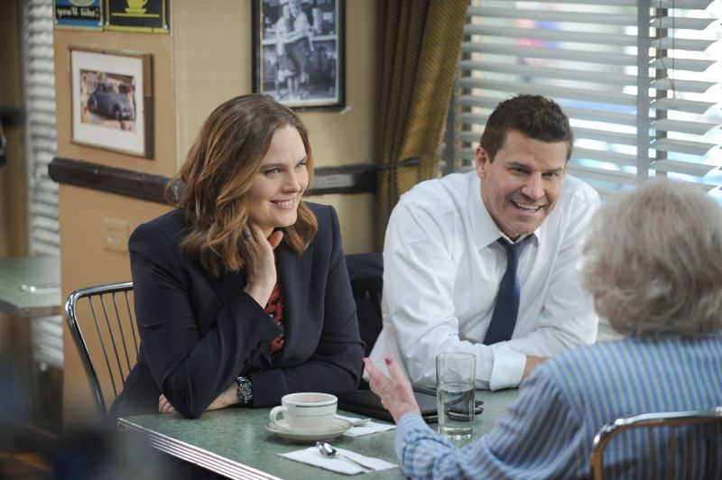 """BONES: L-R: Emily Deschanel and David Boreanaz in the """"The Carpals in the Coy-Wolves"""" episode of BONES airing Thursday, Oct. 22 (8:00-9:00 PM ET/PT) on FOX. ©2015 Fox Broadcasting Co. Cr:"""