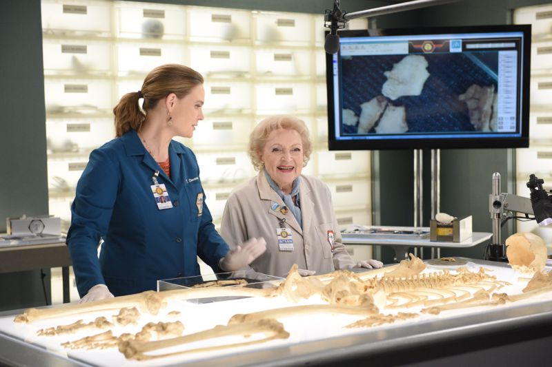 """BONES: L-R: Emily Deschanel and guest star Betty White in the """"The Carpals in the Coy-Wolves"""" episode of BONES airing Thursday, Oct. 22 (8:00-9:00 PM ET/PT) on FOX. ©2015 Fox Broadcasting Co. Cr:"""