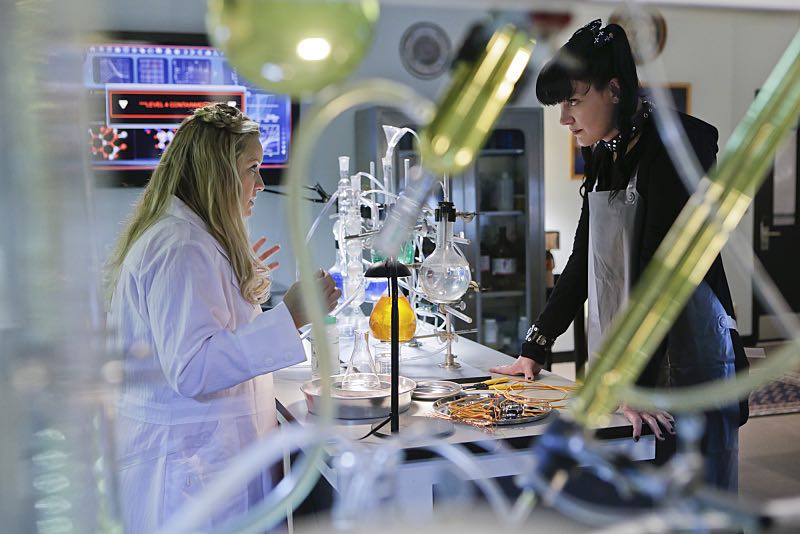 """""""Lockdown"""" -- While visiting a pharmaceutical lab on a murder case, Abby (Pauley Perrette , right) is trapped with no communication to the outside world after armed men take over the building and hold everyone hostage, on NCIS, Tuesday, Oct. 20 (8:00-9:00 PM, ET/PT), on the CBS Television Network. Also pictured: Lucy Davis Photo: Sonja Flemming/CBS ©2015 CBS Broadcasting, Inc. All Rights Reserved"""
