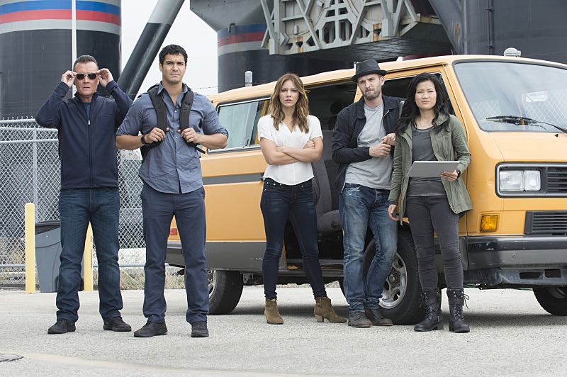 """Super Fun Guys"" -- Team Scorpion goes undercover on the ""Super Fun Guy"" movie set in Kazakstan in order to disable a soviet era nuclear missile being sold by terrorists, on SCORPION, Monday, Oct. 19 (9:00-9:59 PM, ET/PT) on the CBS Television Network. Pictured: Robert Patrick as Agent Cabe Gallo, Elyes Gabel as Walter O'Brien, Katharine McPhee as Paige DIneen, Eddie Kaye Thomas as Toby Curtis, Jadyn Wong as Happy Quinn. Photo: Neil Jacobs/CBS ©2015 CBS Broadcasting, Inc. All Rights Reserved"