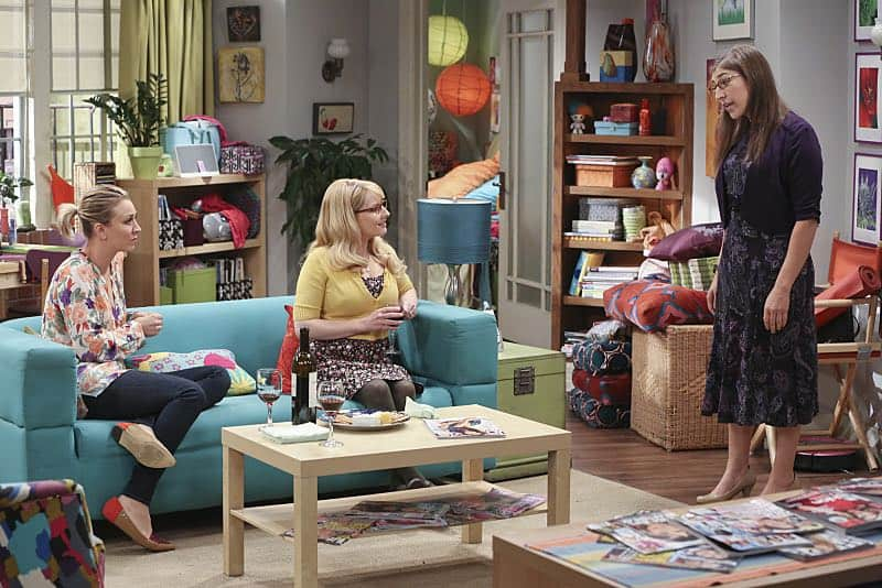"""""""The Mystery Date Observation"""" -- When Amy is coy with details about a guy she is dating, Penny and Bernadette decide to spy, on THE BIG BANG THEORY, Thursday, Nov. 12 (8:00-8:31 PM, ET/PT), on the CBS Television Network. Pictured left to right: Kaley Cuoco, Melissa Rauch and Mayim Bialik Photo: Michael Yarish/Warner Bros. Entertainment Inc. © 2015 WBEI. All rights reserved."""