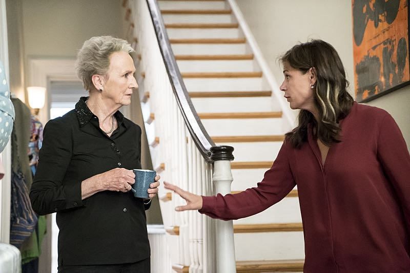Kathleen Chalfant as Margaret and Maura Tierney as Helen in The Affair (season 2, episode 6). - Photo: David M. Russell/SHOWTIME - Photo ID: TheAffair_206_9643