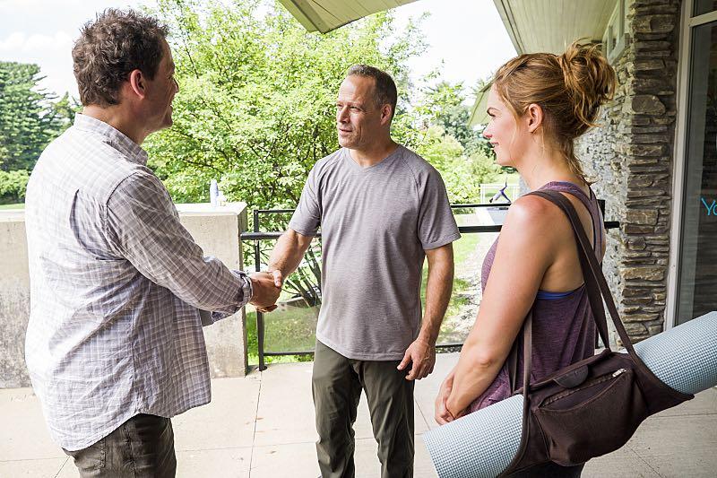 Dominic West as Noah and Ruth WIlson as Alison in The Affair (season 2, episode 6). - Photo: Mark Schafer/SHOWTIME - Photo ID: TheAffair_206_6592