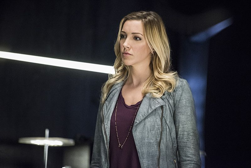 """Arrow -- """"Sins of the Father"""" -- Image AR413A_0136b.jpg -- Pictured: Katie Cassidy as Laurel Lance -- Photo: Dean Buscher/ The CW -- © 2016 The CW Network, LLC. All Rights Reserved."""