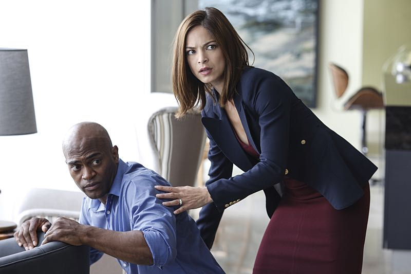 """Beauty and the Beast -- """"Something's Gotta Give"""" -- Image Number: BB404a_0113.jpg -- Pictured (L-R): Andrew Stewart-Jones as Deputy Secretary Hill and Kristin Kreuk as Catherine -- Photo: Marni Grossman/The CW --© 2016 The CW Network, LLC. All rights reserved."""