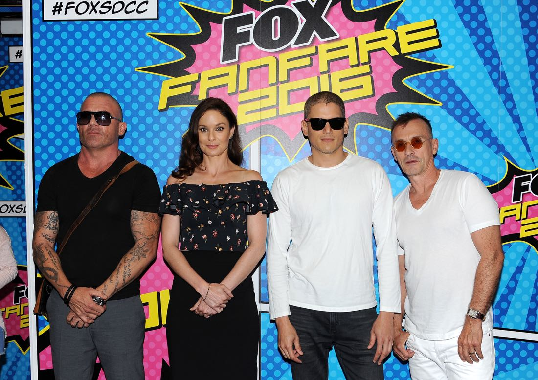 FOX FANFARE AT SAN DIEGO COMIC-CON © 2016: L-R: PRISON BREAK cast members Dominic Purcell, Sarah Wayne Callies, Wentworth Miller and Robert Knepper during the PRISON BREAK booth signing on Sunday, July 24 at the FOX FANFARE AT SAN DIEGO COMIC-CON © 2016. CR: Scott Kirkland/FOX © 2016 FOX BROADCASTING
