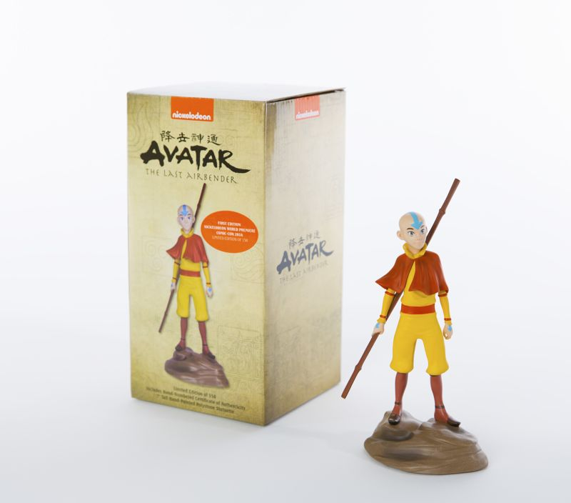 SDCC 2016_Nick_Avatar Box and Statuette