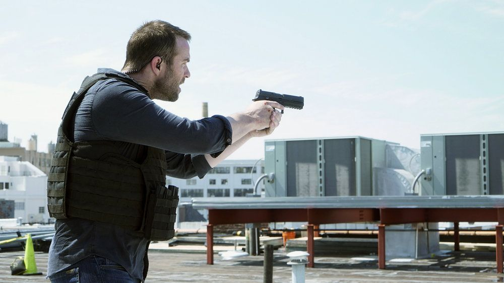 "BLINDSPOT -- ""Heave Fiery Knot"" Episode 202 -- Pictured: Sullivan Stapleton as Kurt Weller -- (Photo by: Nicole Rivelli/NBC)"