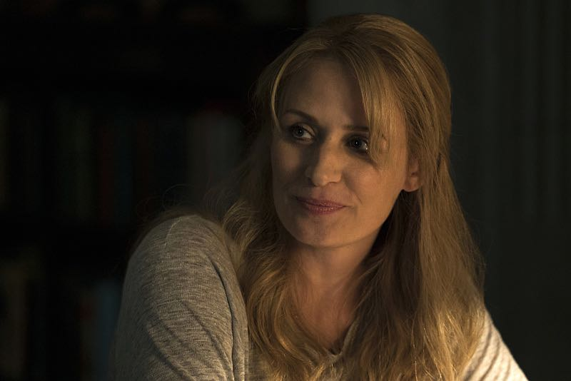 """Supernatural -- """"The Foundry"""" -- SN1203b_0031.jpg -- Pictured: Samantha Smith as Mary Winchester -- Photo: Katie Yu/The CW -- © 2016 The CW Network, LLC. All Rights Reserved"""