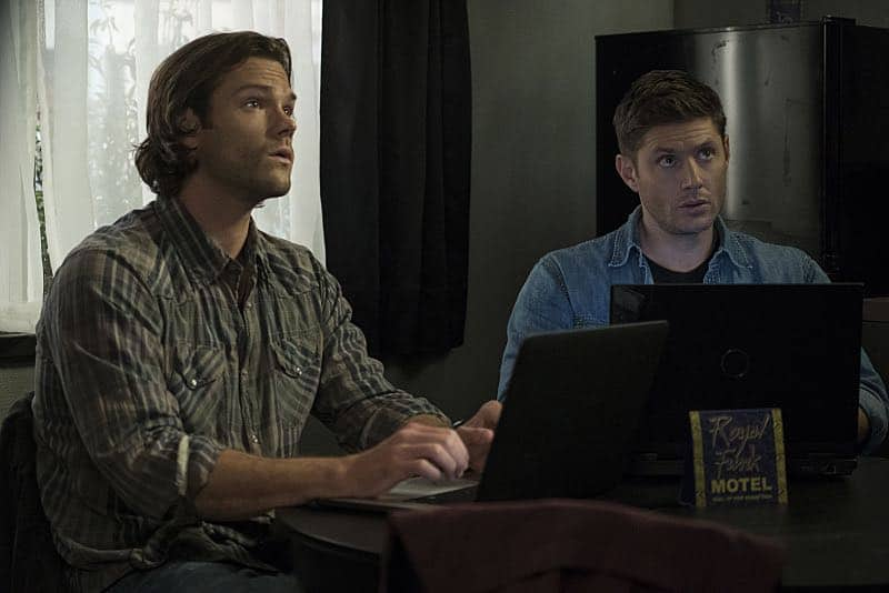 """Supernatural -- """"The Foundry"""" -- SN1203b_0152.jpg -- Pictured (L-R): Jared Padalecki as Sam and Jensen Ackles as Dean -- Photo: Katie Yu/The CW -- © 2016 The CW Network, LLC. All Rights Reserved"""
