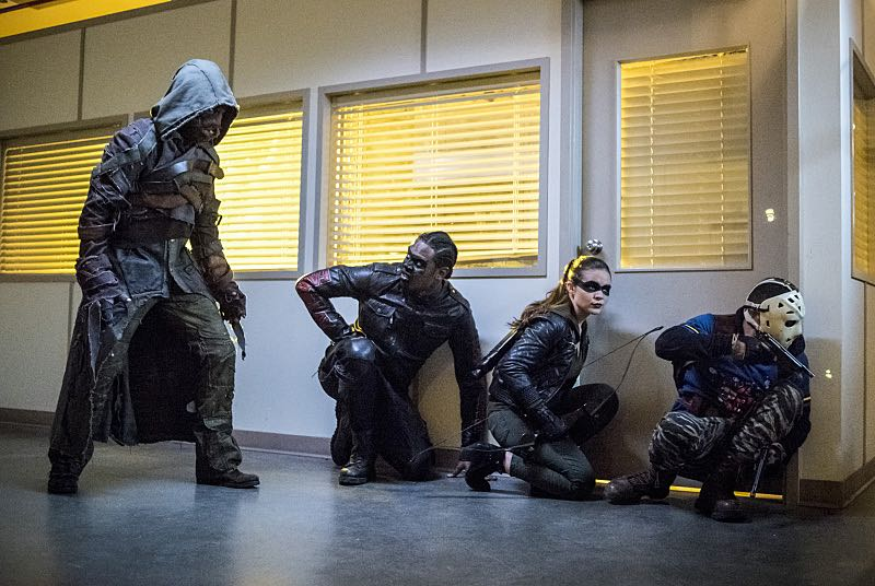 """Arrow -- """"Penance"""" -- Image AR504a_0412b.jpg -- Pictured (L-R): Prometheus, Echo Kellum as Curtis Holt, Madison McLaughlin as Evelyn Sharp and Rick Gonzales as Rene Ramirez/Wild Dog -- Photo: Dean Buscher/The CW -- © 2016 The CW Network, LLC. All Rights Reserved."""