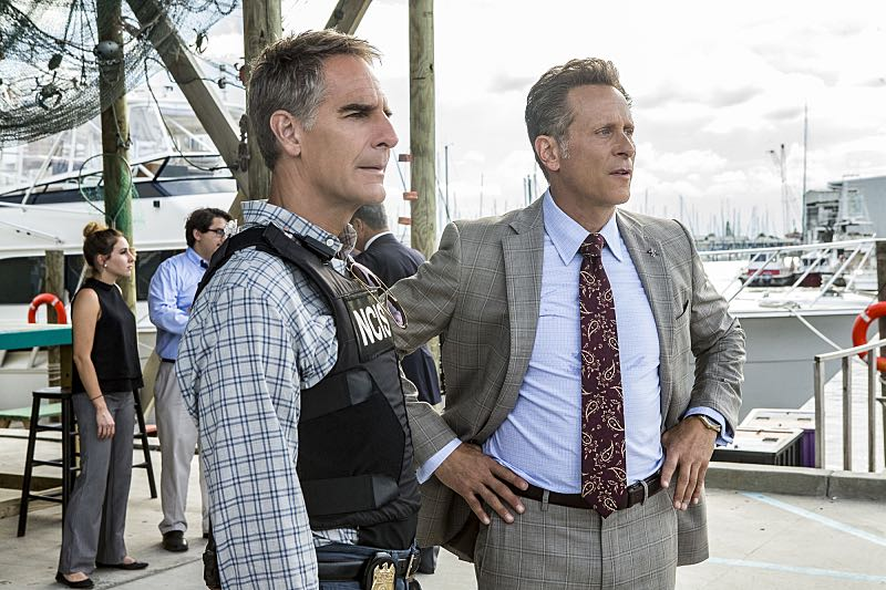 """""""One Good Man"""" -- CThe NCIS team reviews unorthodox training exercises after a Navy Seal candidate is found murdered weeks before his graduation. Also, a concerned Wade turns to Pride after her adopted son, Danny (Christopher Meyer), announces his plan to enter the Navy, on NCIS: New Orleans, Tuesday, Nov. 1 (10:00-11:00, ET/PT), on the CBS Television Network. Pictured L-R: Scott Bakula as Special Agent Dwayne Pride and Steven Weber as Mayor Douglas Hamilton Photo: Skip Bolen/CBS ©2016 CBS Broadcasting, Inc. All Rights Reserved"""