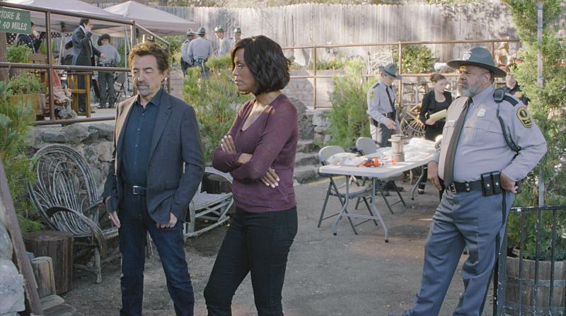 """Keeper"" -- The BAU team searches for a serial killer along the Appalachian Trail in rural Virginia, on CRIMINAL MINDS, Wednesday, Oct. 26 (9:00-10:00 PM, ET/PT), on the CBS Television Network. Pictured: Joe Mantegna (David Rossi), Aisha Tyler (Dr. Tara Lewis) Photo: CBS ©2016 CBS Broadcasting, Inc. All Rights Reserved"