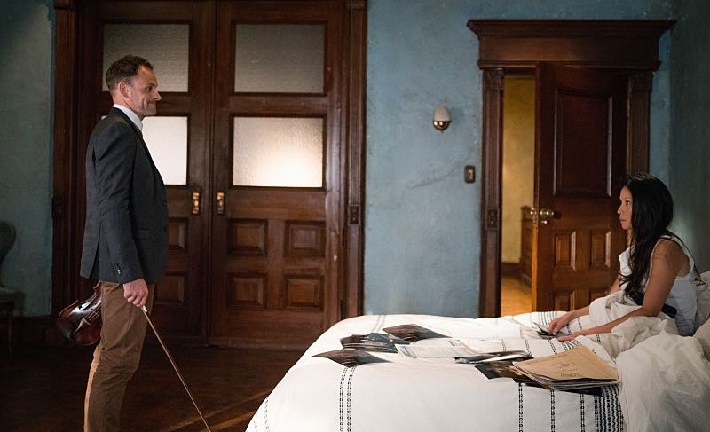 """""""Render, and Then Seize Her"""" -- Holmes learns a secret about Captain Gregson's girlfriend when she hires him for a case she wants kept off of Gregson's radar. Also, Holmes and Watson join the NYPD's search for an abducted woman, on ELEMENTARY, Sunday, Oct. 23 (10:30-11:30 PM, ET/10:00-11:00 PM, PT) on the CBS Television Network. Pictured Jonny Lee Miller as Sherlock Holmes and Lucy Liu as Joan Watson Photo: Michael Parmelee/CBS ©2016 CBS Broadcasting, Inc. All Rights Reserved"""