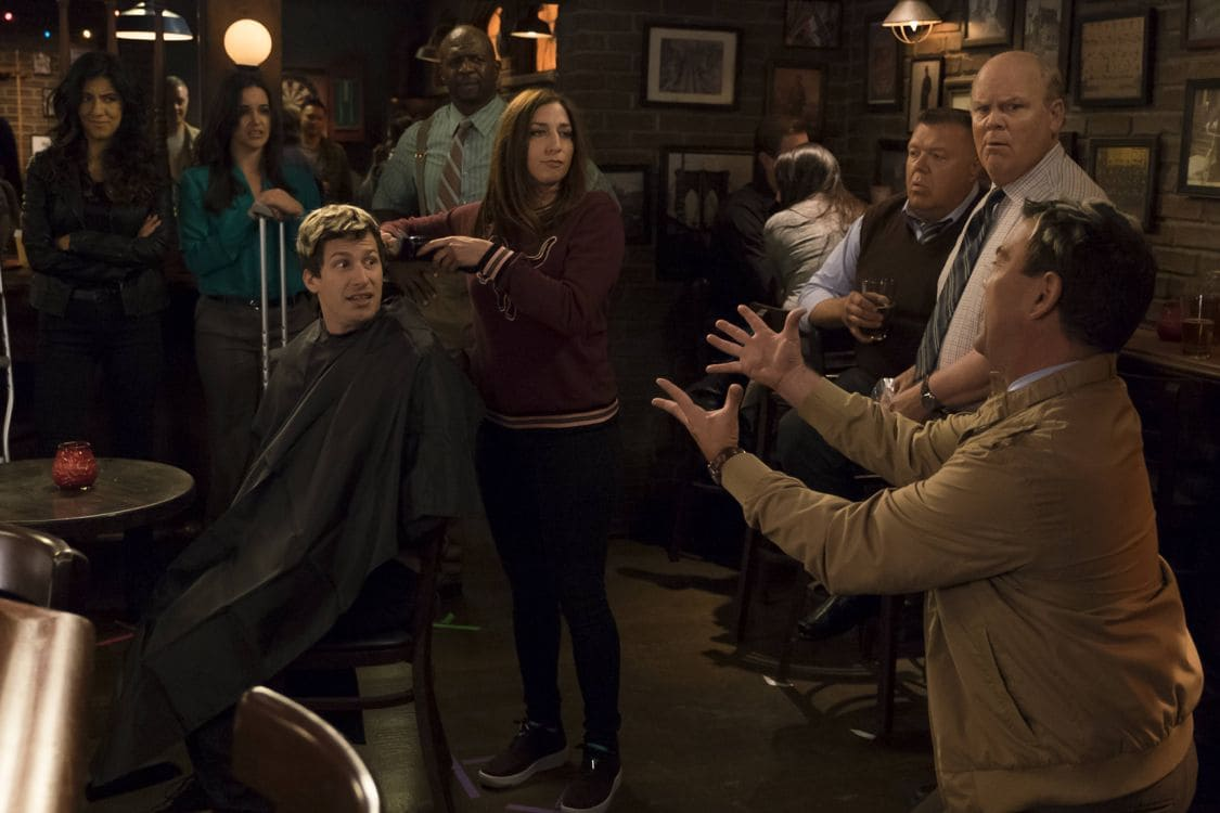 "BROOKLYN NINE-NINE: L-R: Stephanie Beatriz, Melissa Fumero, Andy Samberg, Terry Crews, Chelsea Peretti, Joel McKinnon Miller, Dirk Blocker and Joe Lo Truglio in the special ""The Night Shift"" crossover episode of BROOKLYN NINE-NINE airing Tuesday, Oct. 11 (8:00-8:31 PM ET/PT) on FOX. ©2016 Fox Broadcasting Co. Cr: John P Fleenor/FOX."
