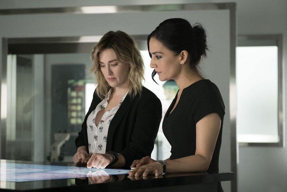 """BLINDSPOT -- """"Condone Untidiest Thefts"""" Episode 205 -- Pictured: (l-r) Ashley Johnson as Patterson, Archie Panjabi as Nas Kamal -- (Photo by: Peter Kramer/NBC)"""