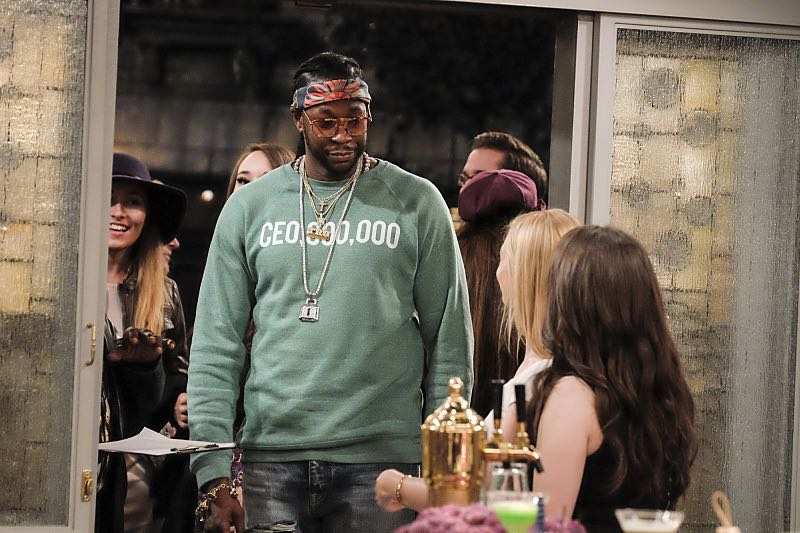 """And The Two Openings: Part Two"" -- Pictured: 2 Chainz. When Sophie goes into labor just before the Dessert Bar's grand opening, she demands that Max and Caroline be present for the birth. Also, the girls run into problems when they don't secure a liquor license for their new venue, on the sixth season premiere of 2 BROKE GIRLS, Monday, Oct. 10 (9:30-10:00 PM, ET/PT) on the CBS Television Network. Photo: Darren Michaels/Warner Bros. Entertainment Inc. © 2016 WBEI. All rights reserved."